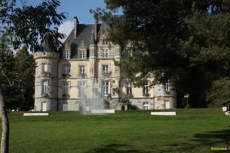 L'hotel de ville  dans Normandie