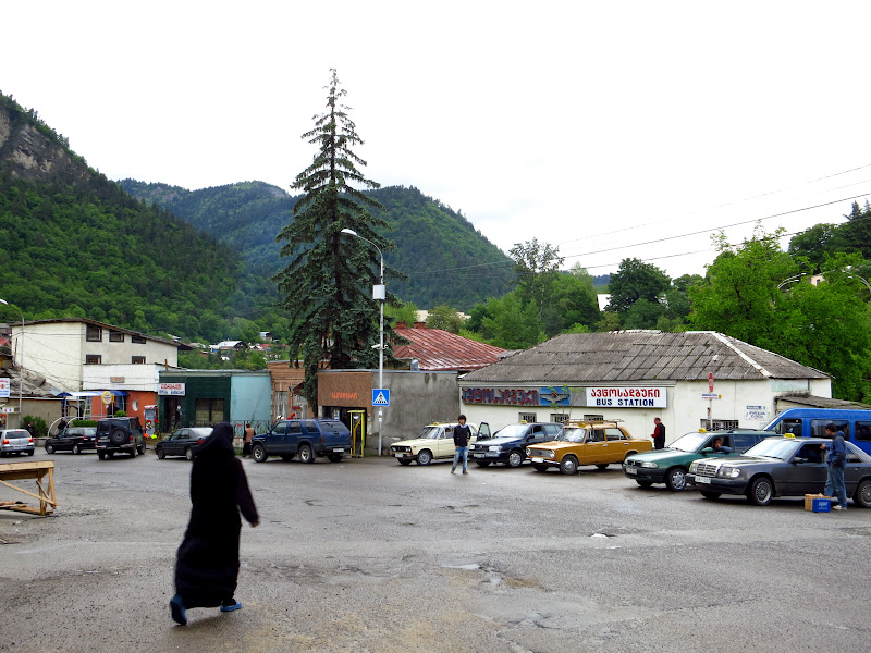 The avtosadguri (bus station) at Borjomi.
