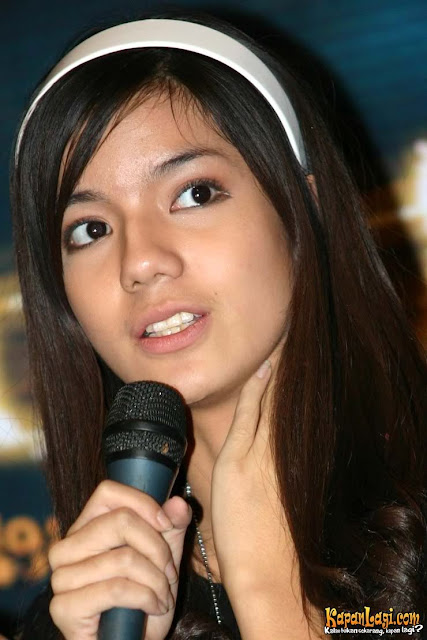 Indonesian Actress Sheila Marcia Hot Pictures-Biography