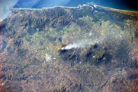 Imágenes de la erupción del volcán Chaparrastique
