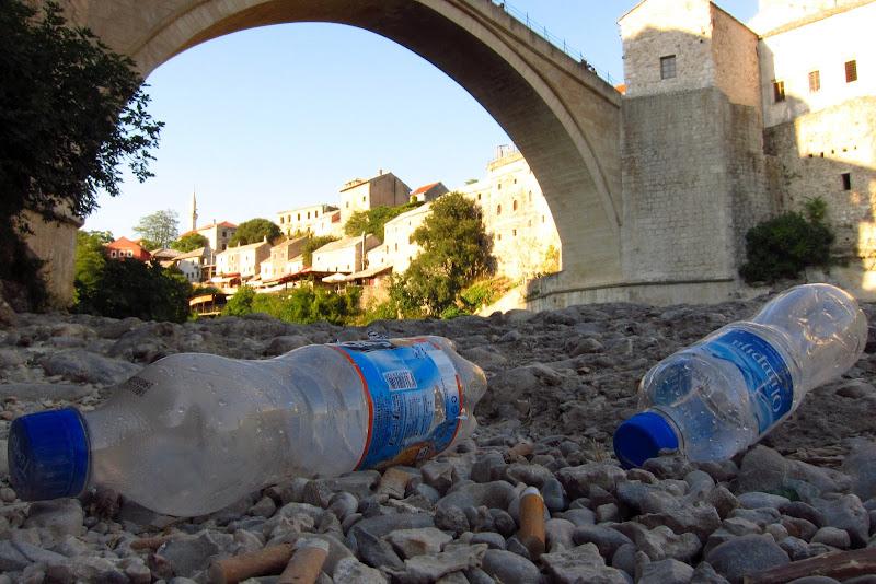 litter at Mostar