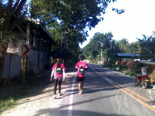 Joseph Alquizola - barefoot runner in Cebu, Philippines