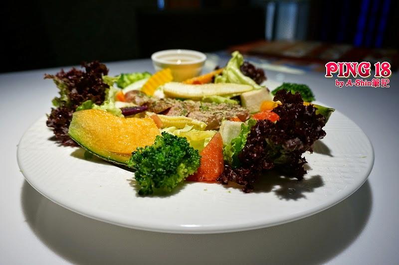 DSC06446 - 【熱血採訪】Ping 18 Bistro 新日法輕食| 異國料理推薦,有聽過Ping18嗎?跟我一起來大墩18街吃美食~(已歇業)