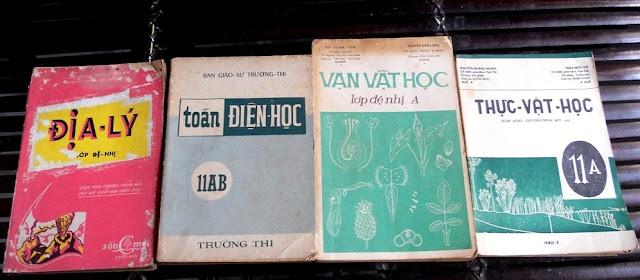 Sách giáo khoa tiểu học cũ - nơi lưu giữ từng trang ký ức DSCN3262