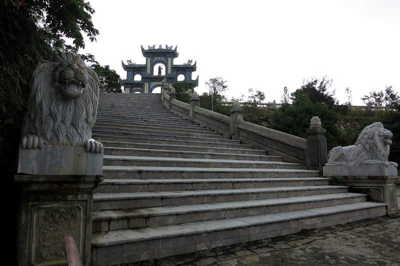 Linh Ung pagoda stairs