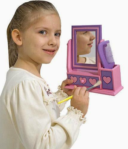 Rèn luyện cho bé sự khéo léo và óc thẩm mỹ với bộ thiết kế bàn trang điểm trái tim ME3103