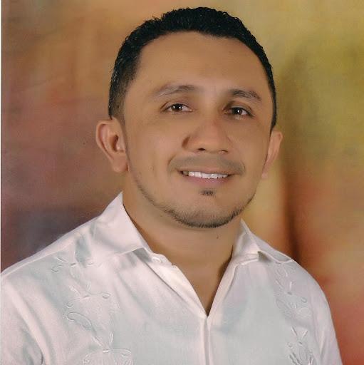 Elias Nieves