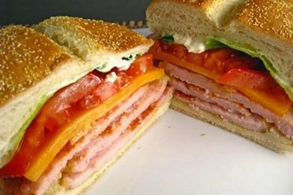 Sanduíche de Bacon com Tomate