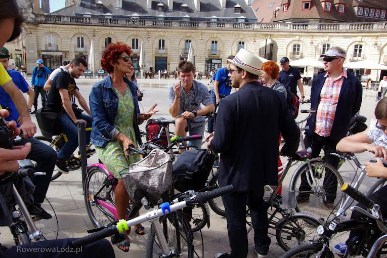 Wiceprezydent miasta Catherine Hervieu towarzyszyła nam na rowerze.