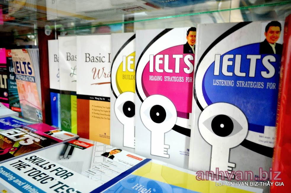 IELTS COURSE BOOKS