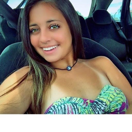 Jennifer Vaz Photo 15