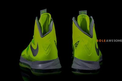 nike lebron 10 gr atomic volt dunkman 2 08 Finally a Decent Look at Nike LeBron X Volt Dunkman!