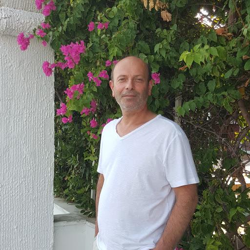 Mustafa Eris