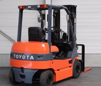 Xe nâng điện Toyota 7FB25