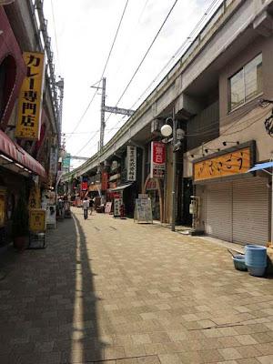 上野ガード下の飲食店街