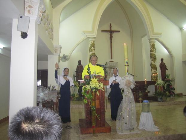 Đêm Vọng Mừng Chúa Phục Sinh tại Nhà Mẹ Bình Cang