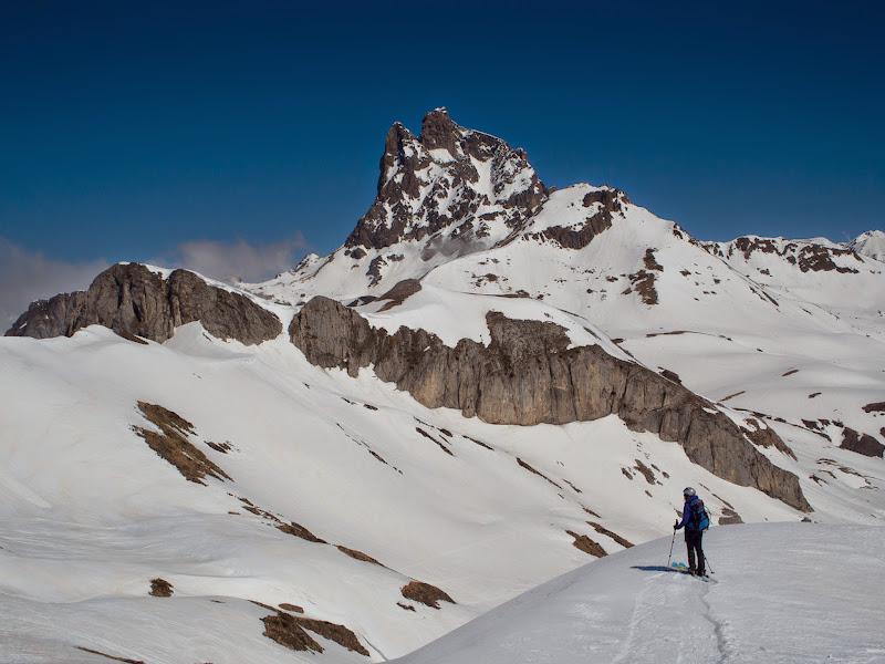 Descens amb el Midi d'Ossau al davant