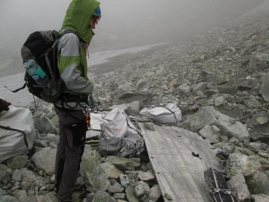 Dolina Batyżowiecka - szczątki samolotu