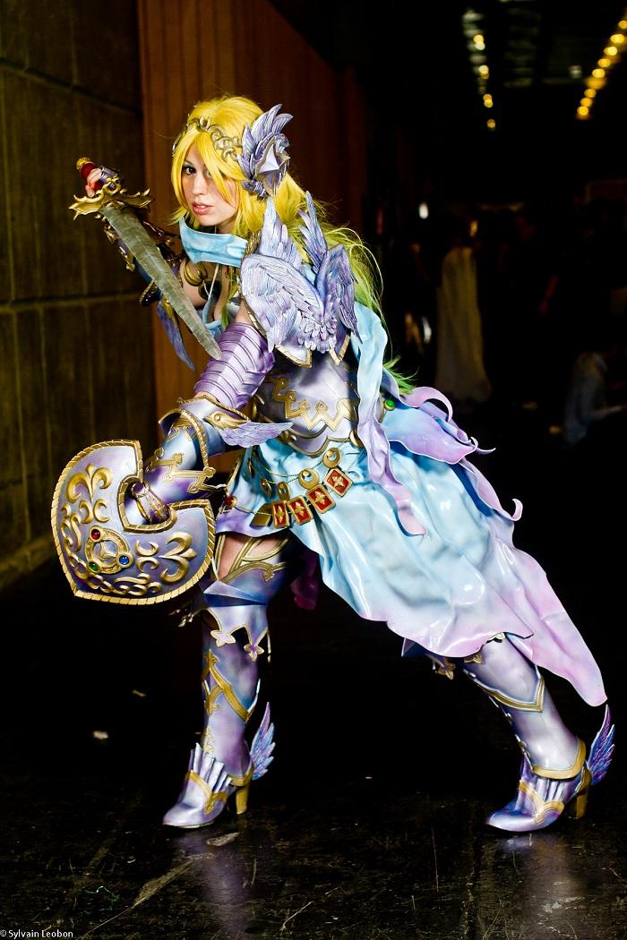 Nữ kiếm sĩ xinh đẹp trong Zangeki no Reginleiv