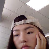 Angela Zhou's avatar