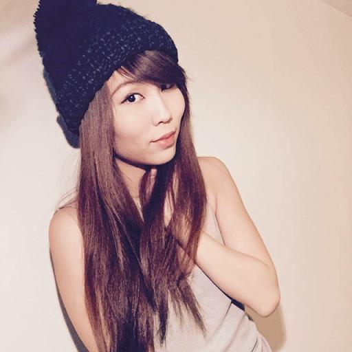 Clara Li Photo 27