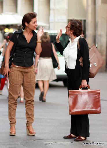 люди в милане, фото людей на улице, что носят в европе лето 2011, луки лето 2011,