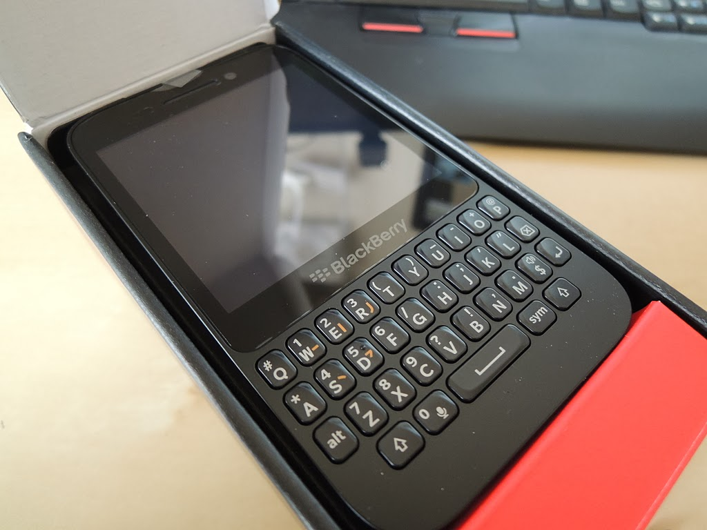 BlackBerry Q5入手!!