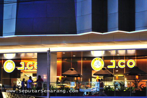 Culinary-holic: J.CO Semarang Paragon Coffee & Donuts