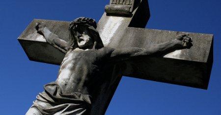 Lūdzot Dievu gūst miesas sakropļojumu