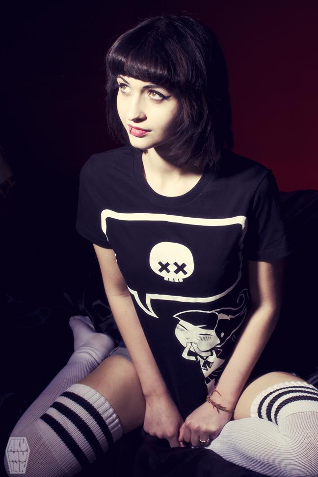 pinup, cosplay model, horror girl, goth girl, tattoo model, alternative model, goth model, akumuink, emo tshirt