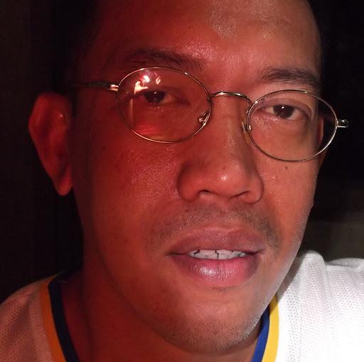Emil Santos