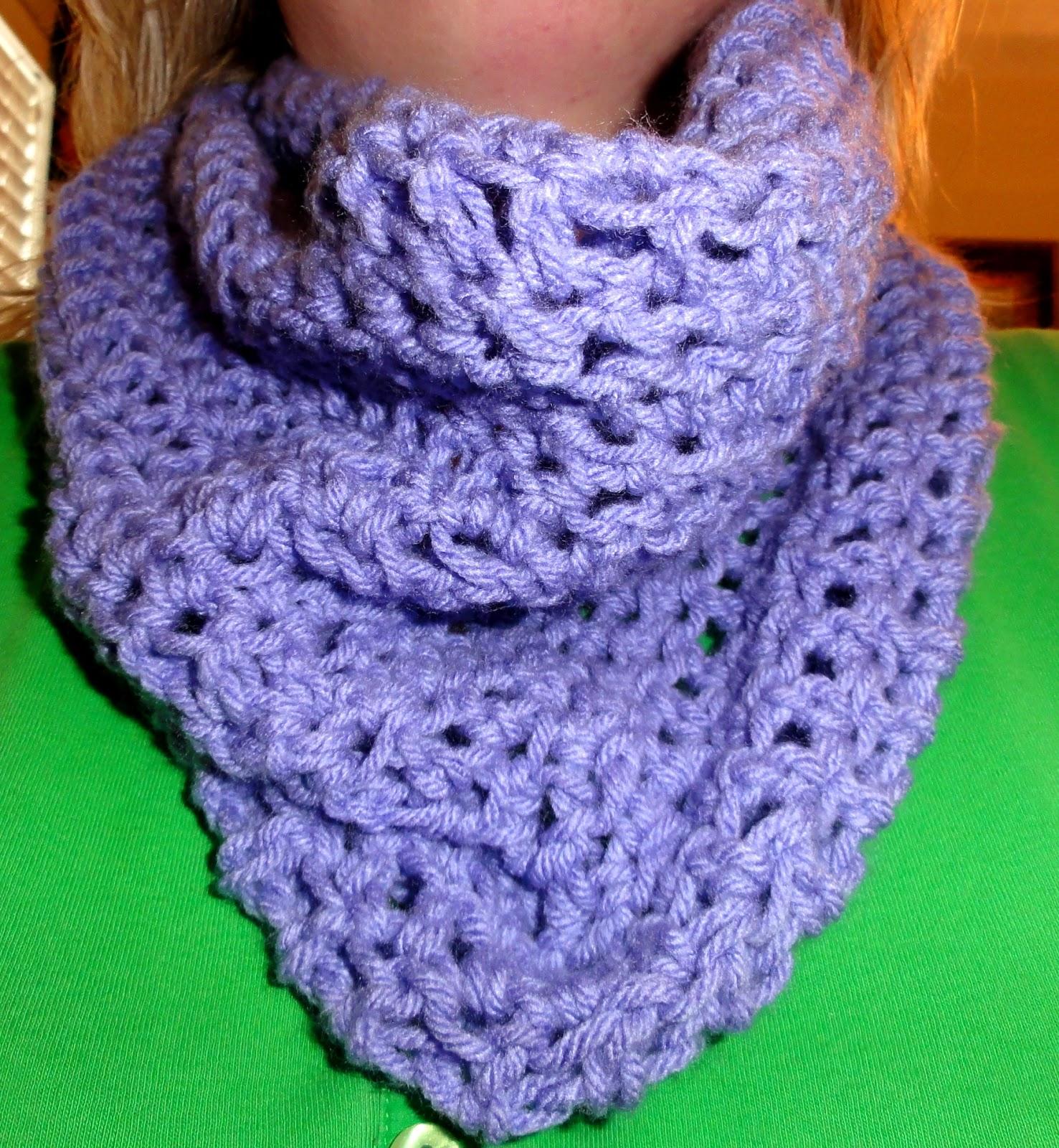Cheri Quite Contrary: Crochet Convertible Cowl Adventures