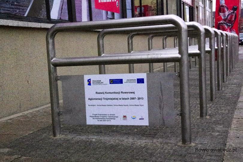 Parking rowerowy na stacji PKP Gdańsk Wrzesz. Także z unijnych funduszy.