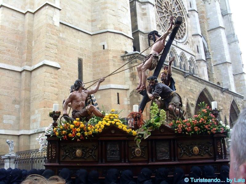 Semana Santa leonesa: Exaltación de la Cruz