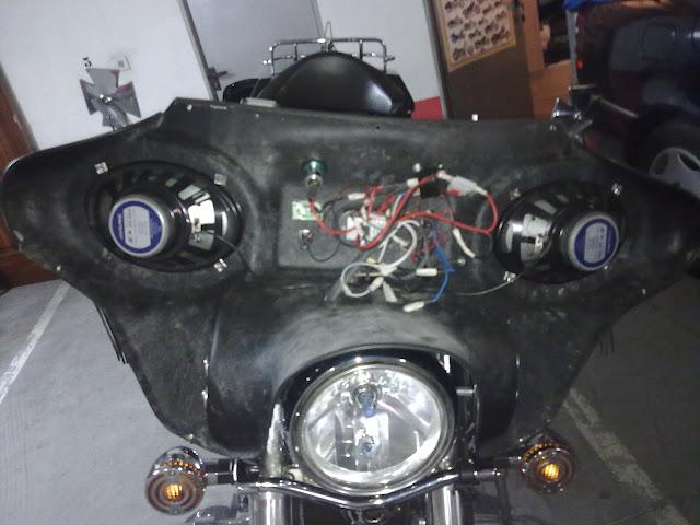 Colocación de Fairing (Batwing) en la moto Fairing%252007