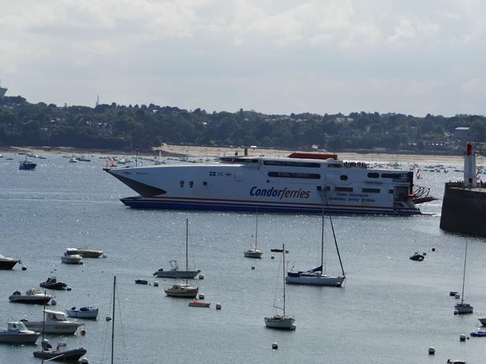 DSC01541.jpg - Saint-Malo, balade dans la cit� corsaire par Couleurs Bretagne