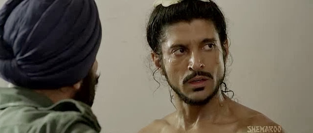 Screen Shot Of Hindi Movie Bhaag Milkha Bhaag (2013) Download And Watch Online Free at Alldownloads4u.Com