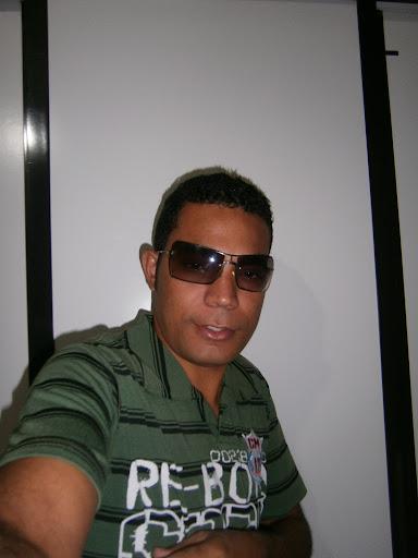 Roberto Moreira Photo 39