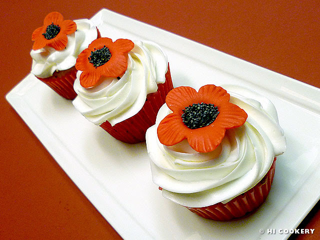 Lemon Poppy Seed Cupcakes