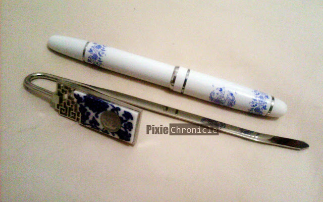 Blue and White Porcelain Pen and Bookmark Suit from LookChem