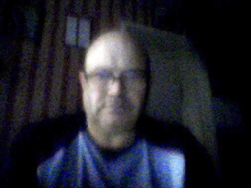 https://lh4.googleusercontent.com/-j7qSo3IkXw4/VCJhmlBTKbI/AAAAAAAAADw/JD8pWdzLhhg/w506-h750/webcam-toy-photo1.jpg