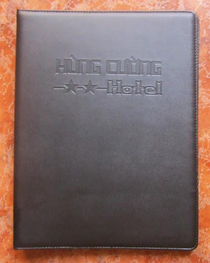 Cơ sở sản xuất bìa menu, bìa kẹp tiền, bìa tính tiền, bìa sơ mi, hộp da, bìa da, bìa khách sạn,  IMG_4011