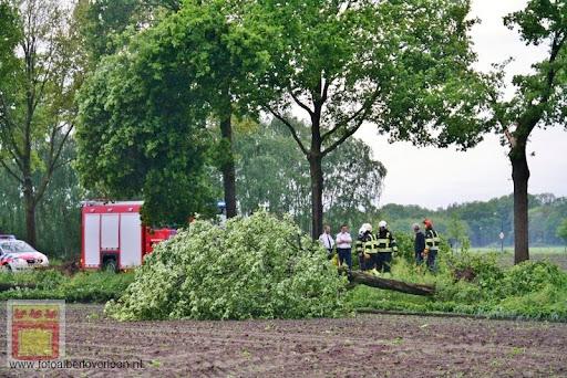 Noodweer zorgt voor ravage in Overloon 10-05-2012 (12).JPG