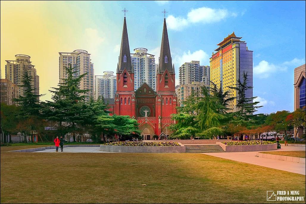 徐家汇地区的一块净土徐家汇天主教堂