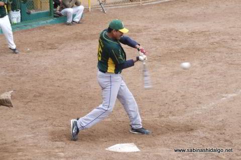Jesús Mario Hernández de Amigos en el softbol dominical