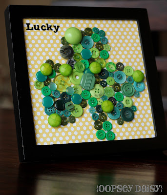Shamrock Button Art Craft. Click for 10 More Easy St. Patrick's Day Craft