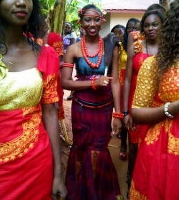 bride, coral beads, bridesmaids