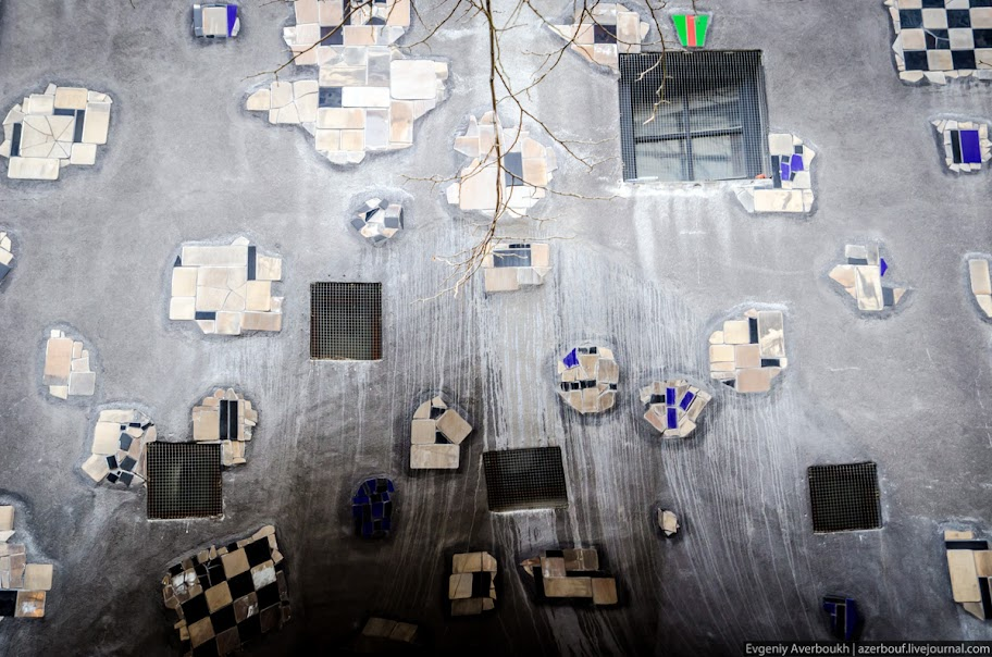https://lh4.googleusercontent.com/-jJxQQe8AHxM/USXkPqIUpzI/AAAAAAAANr8/Is3qCP3Ijag/s912/Austria-Architecture-Hundertwasserhaus-2-013.JPG