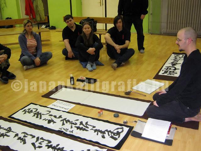 Shinkendo dojo Tatabánya Japán kalligráfia