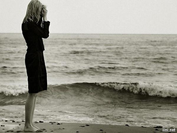 1001 ảnh Biển buồn cô đơn, một mình trước Biển (có thơ ngắn hay)